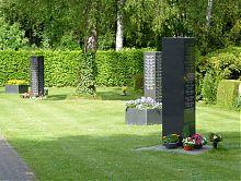 Rasengemeinschaftsgrab Stele für Erd-und Urnenbestattung
